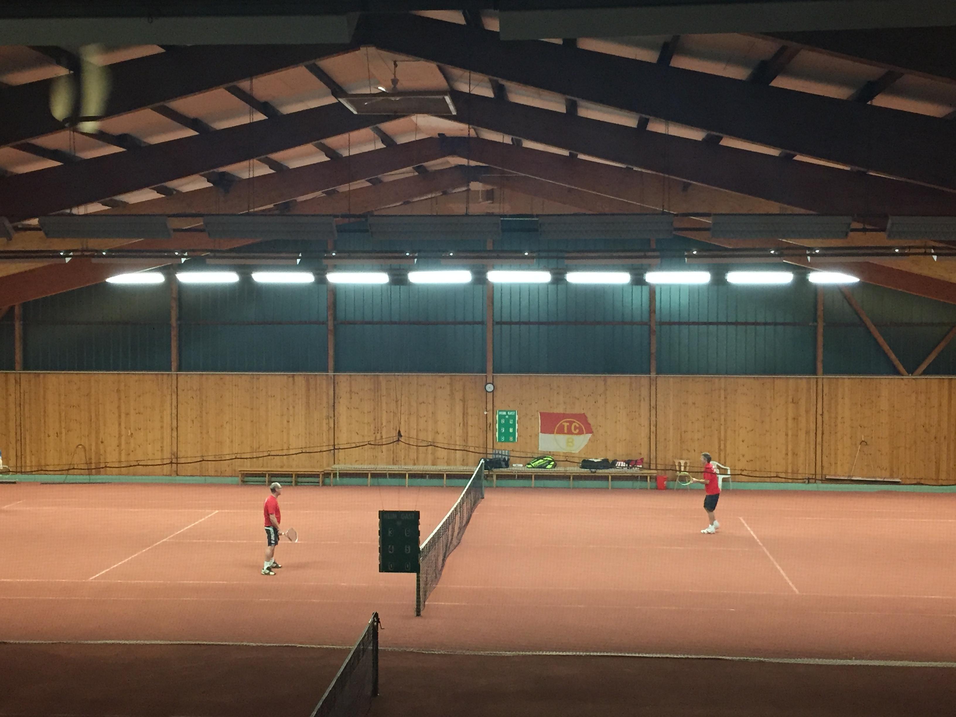 halle-mit-neuer-led-beleuchtung – Tennisclub Rot-Weiss Büsum e.V.